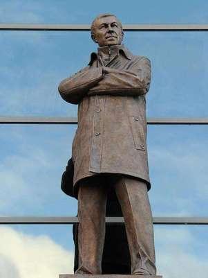 Así luce la estatua de 2.74 metros; está hecha de bronce. Foto: Especial
