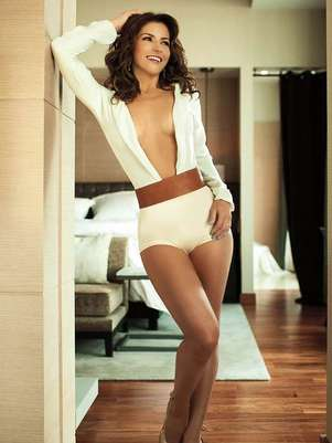 Alessandra Rosaldo explotó su lado más sensual sin necesidad de desnudarse. Foto: Revista Open