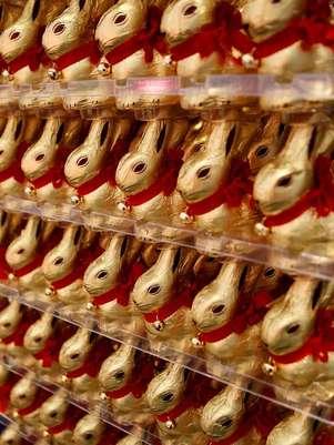 Conejos de Pascua de chocolate en el Museo del Chocolate de Colonia, Alemania. Foto: EFE en español