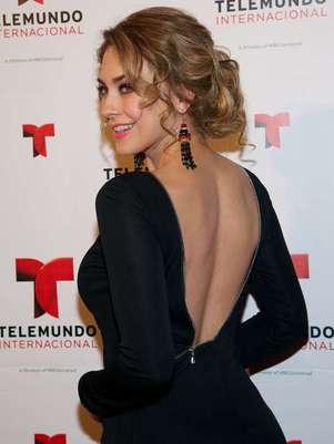 Aracely Arámbula podría deleitar la pupila de los lectores mexicanos si concreta su aparición en la revista Open. Foto: Photo AMC