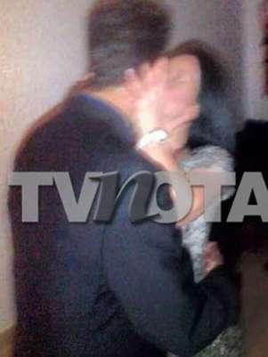 De las caricias y mimos, Pablo y Diosa pasaron a los besos. Foto: TV Notas