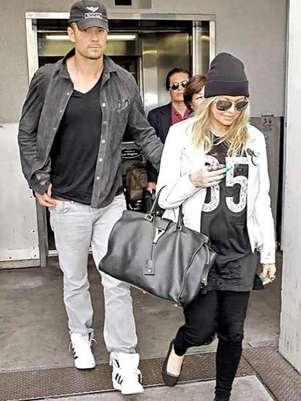 Fergie y Josh Duhamel ya platican de la forma en la que educarán a su hijo. Foto: Reforma