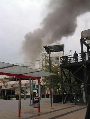 """El incendio afectó al local """"Madam Tusan"""" Foto: Twitter / @BelmarLabbe"""