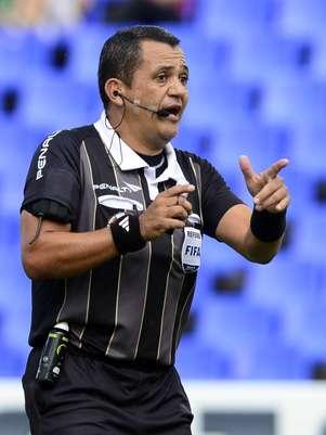 Marlon Escalante, juez venezolano para el juego entre Argentina y Colombia. Foto: AFP