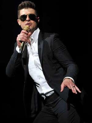 Robin Thicke logró posicionar el sencillo que cantó en los premios MTV como la Mejor canción del verano para Billboard. Foto: Facebook Robin Thicke