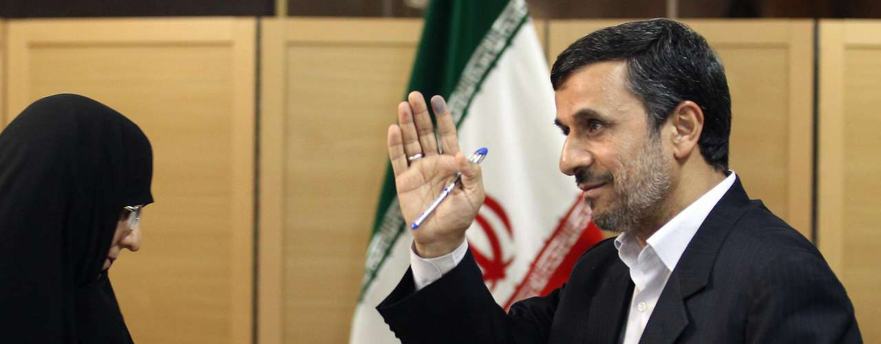 """Mahmud Ahmadinejad - El presidente de Irán confirmó presencia en los debates sobre una  nueva """"economía verde"""" y social, así como nuevas regulaciones para proteger el medio ambiente y la sustentabilidad del planeta."""