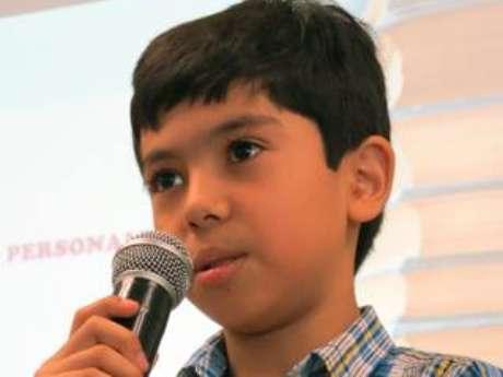Originario del municipio de Zamora, el menor de 11 años de edad impartió una conferencia a estudiantes sobre la utilización responsable de las redes sociales y la tecnología Foto: Tomada de Facebook