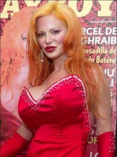 Disfruta de las mejores imágenes de la modelo argentina que se ha sometido a 24 cirugías para lucir así.