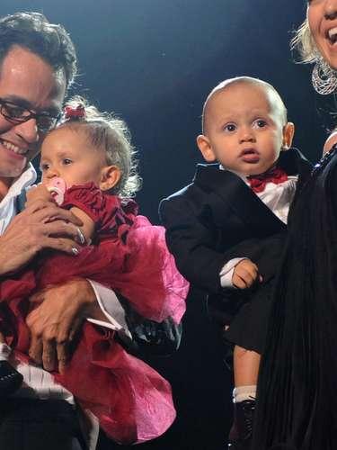 Pocos días antes de cumplir su primer año de vida, Max y Emme fueron los invitados especiales  al concierto de Marc Anthony para el Día de San Valentín.