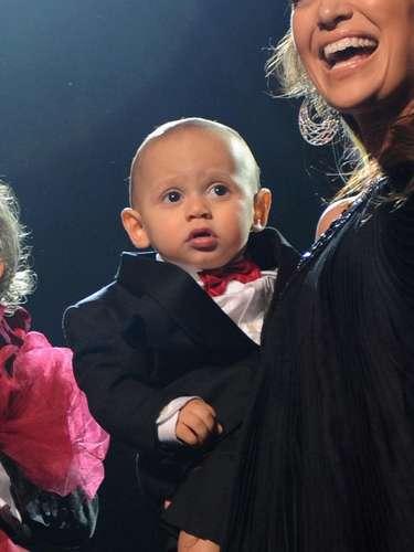 Max en su primer gran aparición en el escenario. Tenía 11 meses y ya estaba en el Madison Square Garden. En el 2011, Max fue escogido como uno de los 20 hijos de famosos más influyentes, ocupando el cuarto lugar de la lista.