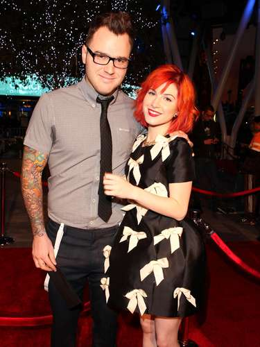 Hayley Williams & Chad Gilbert: The Paramore singer and New Found Glory guitarist Chad Gilbert (seven years her senior!) have been rocking out love style in 3 years.