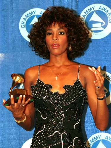Marzo 3, 1988 - Whitney Houston en los Grammy