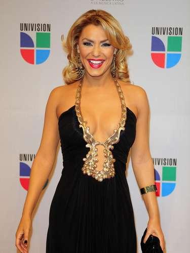 Ana María Conseco - Se vienen los Premios Lo Nuestro A La Música Latina y para ir calentando el ambiente te traemos los escotes más llamativos  y sensuales que han llevado las espectaculares féminas a través de los años en su paso por la alfombra roja en la gran fiesta de la música latina.