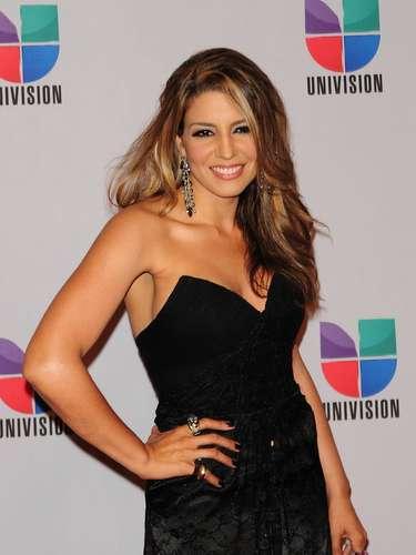 Lena - Se vienen los Premios Lo Nuestro A La Música Latina y para ir calentando el ambiente te traemos los escotes más llamativos  y sensuales que han llevado las espectaculares féminas a través de los años en su paso por la alfombra roja en la gran fiesta de la música latina.
