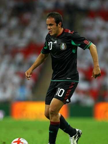Cuauhtémoc Blanco es el único jugador mexicano que ha anotado en tres Mundiales diferentes.