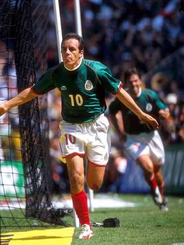 Cuauhtémoc Blanco comandó a la Selección Mexicana para lograr la calificación del Mundial de Corea-Japón 2002, cuando se pensaba que el equipo quedaría fuera de la Copa del Mundo.