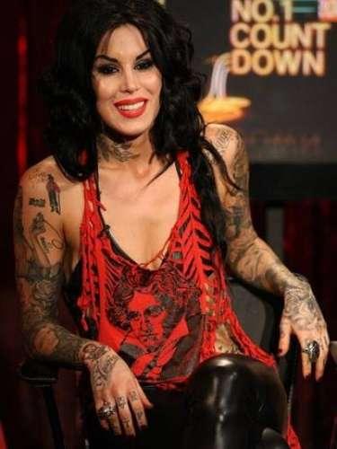 Kate Von D es otra de las celebridades que gustan por los tatuajes y en este caso, la tatuadora estrella los tiene en casi todo su cuerpo