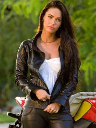 Tras sus comentarios en contra de Michael Bay, la relación de Megan Fox con el director se tornó tensa y poco cordial. Aunque él la invitó a ser parte de 'Transformers 3'.