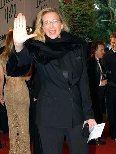 La fotógrafa y galerista, Annie Leibovitz, fue acusada de deber UDS$135,916 mil dólares en impuestos al estado de Nueva York. Annie logró llegar a un acuerdo de pago parcial.