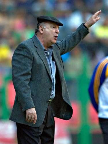 Manuel Lapuente, campeón con América en el Verano 2002, con Necaxa en la 95-96 y 94-95 y con Puebla en el 89-90 y 82-83.