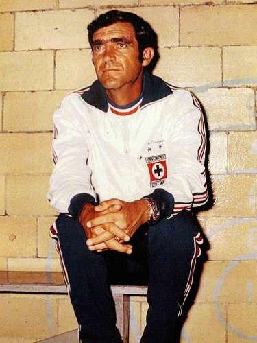 Raúl Cárdenas, campeón con América en la 75-76, y con Cruz Azul en la 73-74, 72-73, 71-72, México 70 y 68-69.