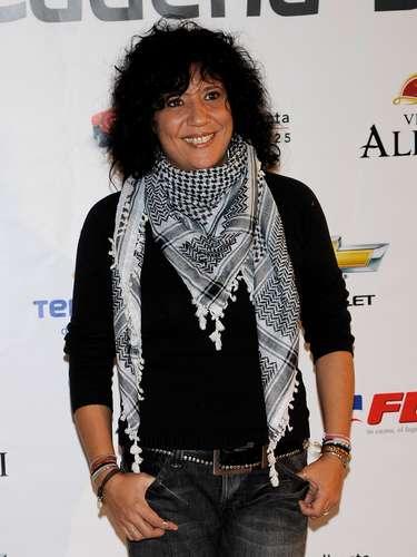 Rossana: Una artista llena de talento, vida y mucha música que con su carisma y letras se ha convertido en una de las lesbianas más queridas por la comunidad mundial.