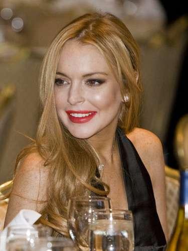 Lindsay Lohan no solo le debe la fama a su carrera actoral, sino también a varios años llenos de escándalos. Su adicción a las fiestas, las drogas y la mala conducta han sido portadas en diferentes medios de comunicación a nivel mundial. La actriz además, ha tenido que enfrentarse a la justicia y hasta pagar detención domiciliaria.