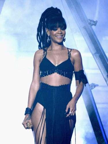 Rihanna, con su belleza ha conquistado los más grandes escenarios del mundo.