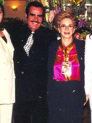 Doña Cuquita le ha aguantado muchas a Vicente Fernández, quien nunca ha negado que sea \
