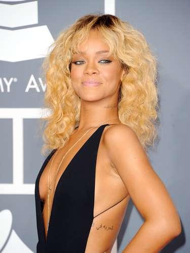 Cómo prefieren a Rihanna ¿rubia o morena?