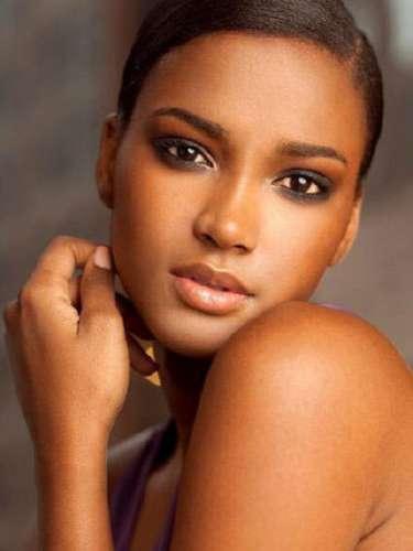 Miss Universo 2011.  Leila Lopes de Angola, con 25 años de edad, consiguió la corona el 12 de septiembre entre 89 participantes y por primera vez para su país.