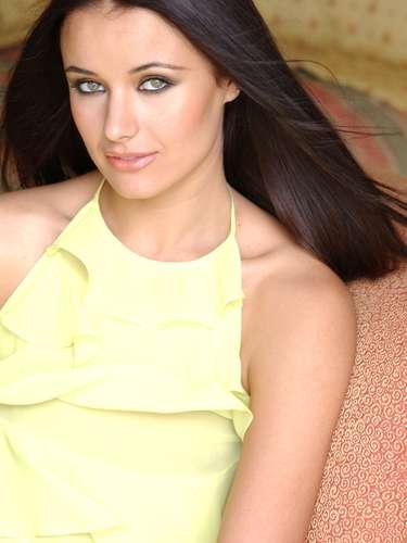 Miss Universo 2002. Oxana Fedorova de Rusia obtuvo el mayor título de belleza el 29 de mayo de ese año entre 75 candidatas que compitieron en el certamen de ese año.
