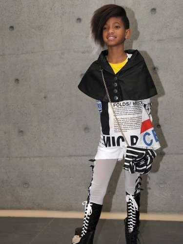 A los  10 años  lanzó el que sería su primer sencillo y el inicio de su carrera musical, Whip My Hair.