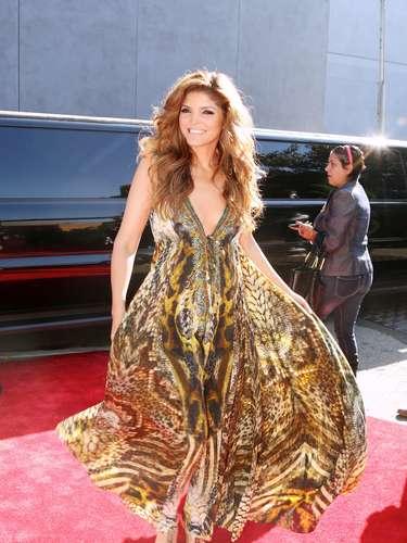 Ana Bábara lució radiante en su llegada a los Premios de la Radio Estrella TV.