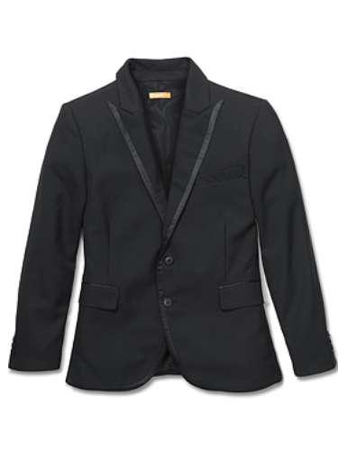Este sports jacket es perfecto para las fiestas de fin de año. Un accesorio como este hace lucir bien a cualquier hombre ($99)