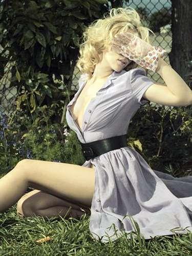 Scarlett Johansson volvió a interpretar a la 'Viuda Negra' en la exitosa película 'The Avengers - Los Vengadores' y logró confirmar su participación en las secuelas de 'Capitán América' y 'The Avengers'.