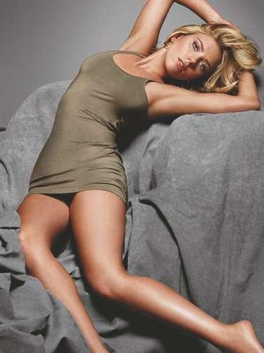 Scarlett Johansson mostró su interés por convertirse en actriz a muy temprana edad y participó en varias obras escolares.