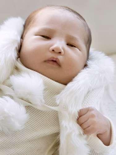 Ilia Calderón comparte la foto de su hija Anna a un mes de nacida. La actriz posteó en su red social: 'Ella es Anna! Nuestra razon de vivir @gene324 . Gracias por sus mensajes de cariño durante este primer mes'