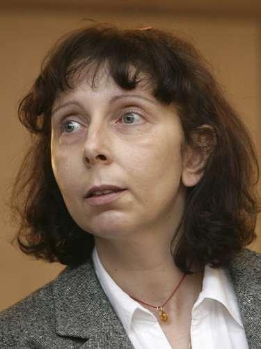 Una escalofriante historia ocurrió en el 2007 cuando Genevieve Lhermitte degolló a sus hijos Yasmine de catorce años, Myriam de diez, Mina de ocho y Medhi de tres, en Nivelles, Bélgica. La mujer atacó a sus hijos uno por uno, colocó los cadáveres en sus respectivas camas, llamó a la policía y luego trató de suicidarse. Fue sentenciada a cadena perpetua.