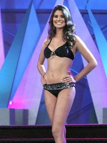 Karina González mide 1.76 cm y tiene 20 años. Esta bella aspirante oriunda de Aguascalientes nació en 1991 y fue la triunfadora indiscutible del certamen \
