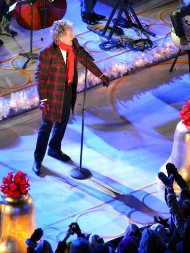 Rod Stewart asiste a la 80 ª edición anual Rockefeller Center en la ceremonia de iluminación en Nueva York