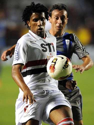 El equipo de Sau Pablo estuvo más cerca del gol en los primeros minutos, aunque la Católica seguía con vida.