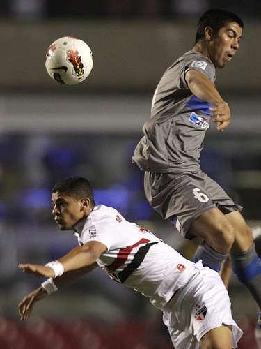 Sao Paulo recibió a la Católica que tenía la obligación de salir con el triunfo para clasificarse a la final.