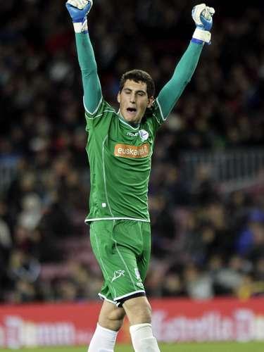 Sergio Herrera festeja el 'sorpresivo' gol visitante, obra de Viguera.