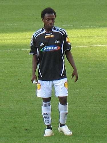 Abdou Razack Traoré podría ser un puma africano en Ciudad Universitaria. Actualmente milita en el Lechia Gdansk de Polonia.