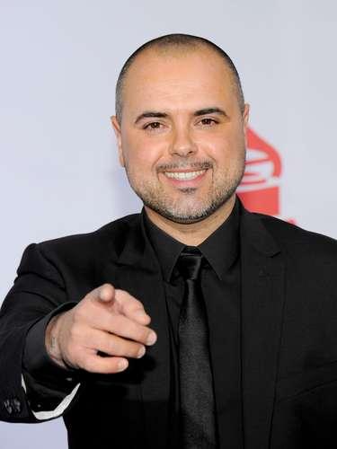 El DJ y productor Juan Magán demuestra que tiene madera para el éxito gracias a sus cinco nominaciones, incluyendo: Mejor Nuevo Artista, Colaboración del Año, Artista del Año, Canción del Año y Álbum del Año.