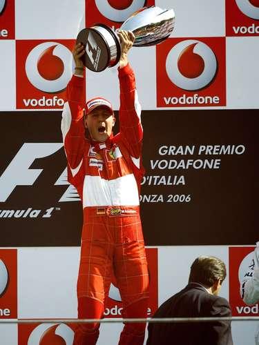 Michael Schumacher es el mejor piloto de todos los tiempos en cuanto a títulos ganados, al haber ganado siete campeonatos de Fórmula Uno.