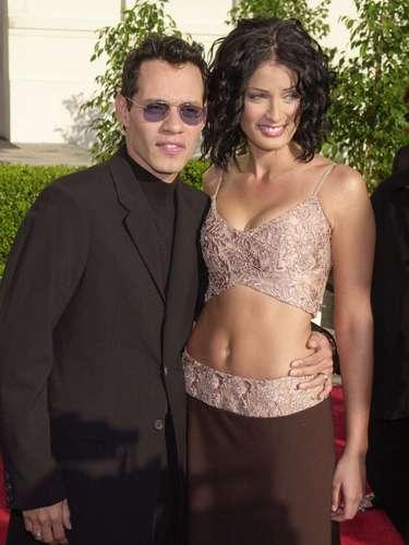 Dayanara Torres y Marc Anthony parecían muy felices en su matrimonio hasta que se divorciaron en el 2004. Días después de que el divorcio fue oficial, Marc Anthony se casó con Jennifer Lopez.