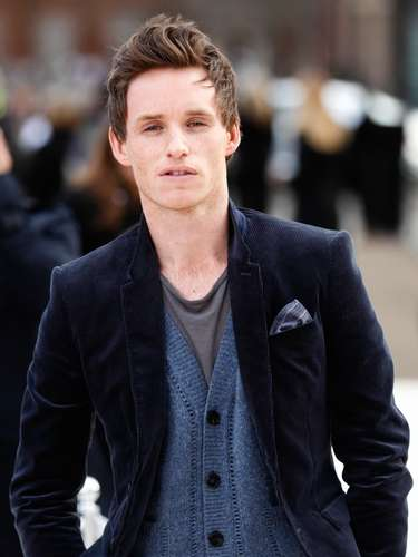 In 2011, Swift met Eddie Redmayne while auditioning for a part in the film Les Miserables and fell hard. Eddie seemed to have broke it off with her in February 2012 because he's not into long-distance relationships.