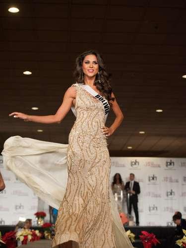 Miss Bolivia - Yessica Mouton Gianella. Nació en 1987. Habla inglés con fluidez y está estudiando relaciones públicas en Nur. Mide 1.72 metros de estatura, su cabello es negro y sus ojos son cafés.